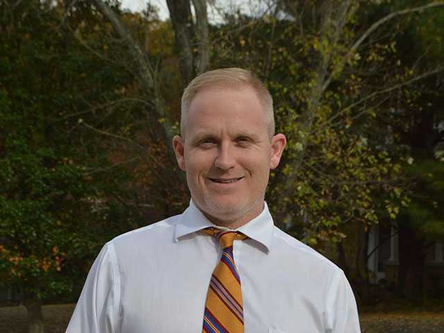Stotts seeking 3rd District commission seat