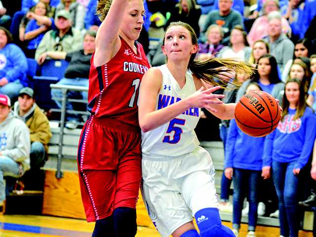 Lady Pioneers lose sixth straight game