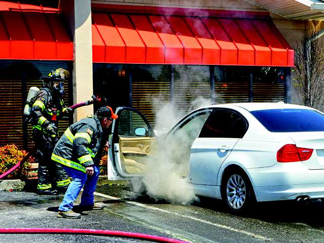 Car bursts into flames in Gondola parking lot