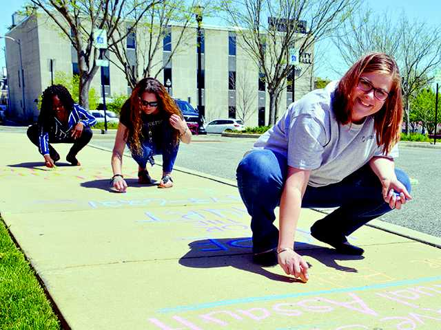 Committee grants permission for 'Chalk Your Downtown'