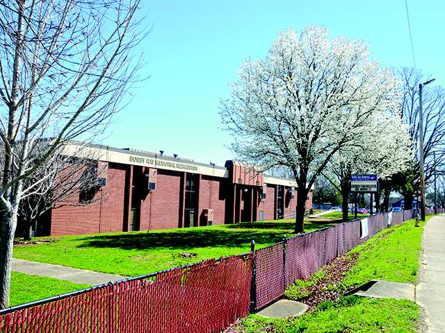 School Board approves $2.89M Bobby Ray bid