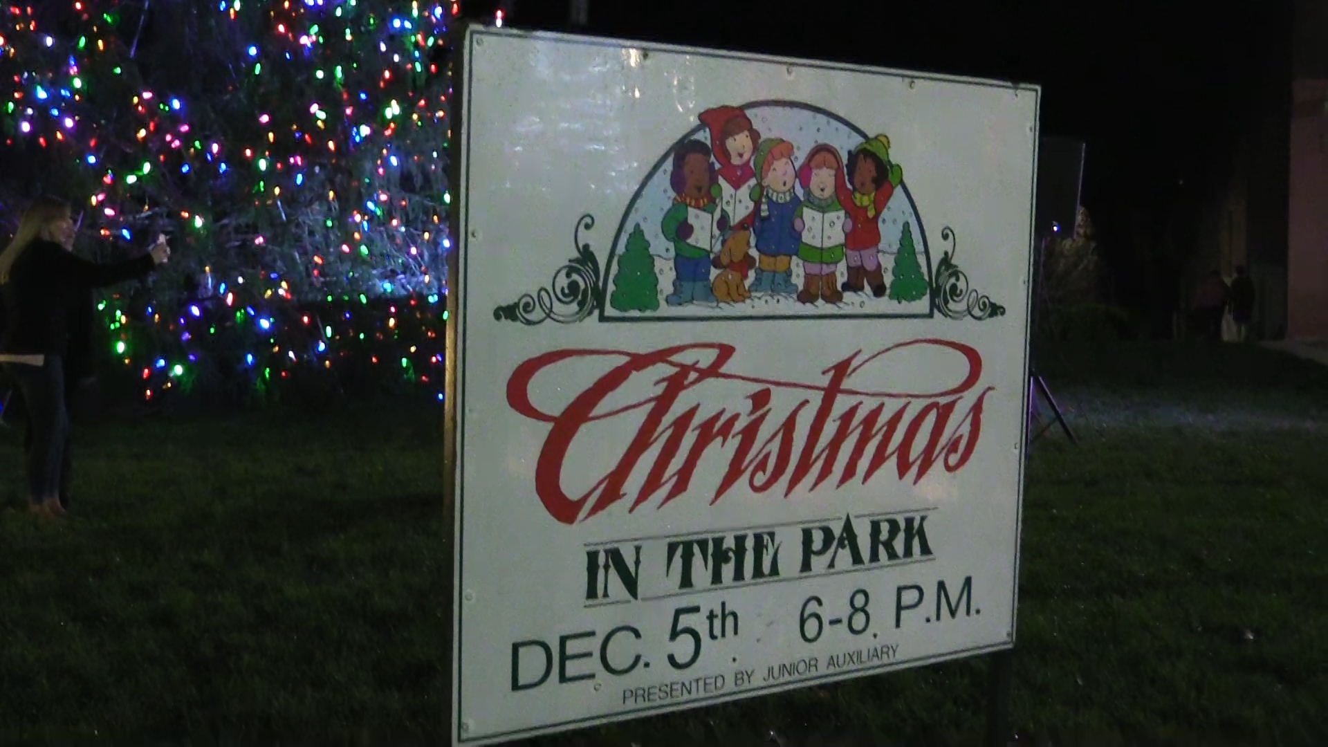 VIDEO - Christmas in the Park 2017