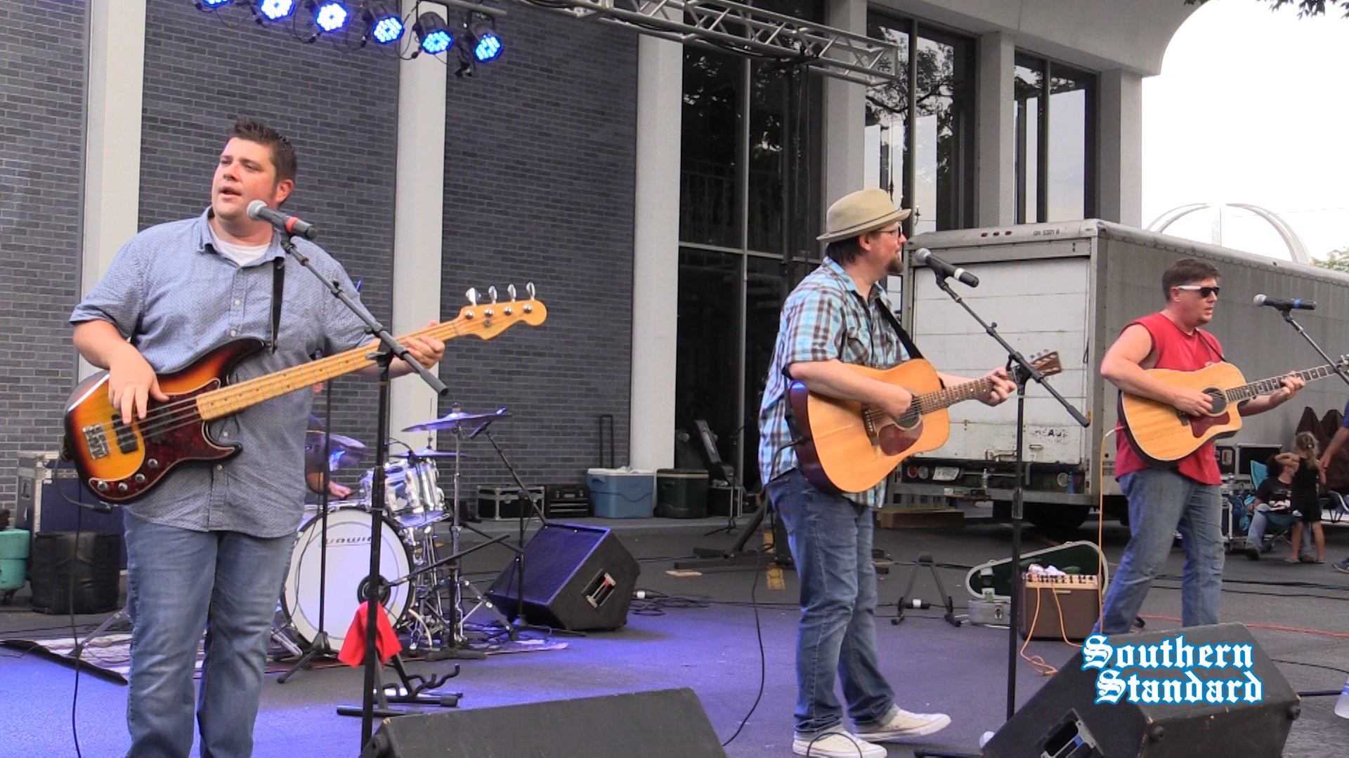 The Flat River Band plays Main Street Live!