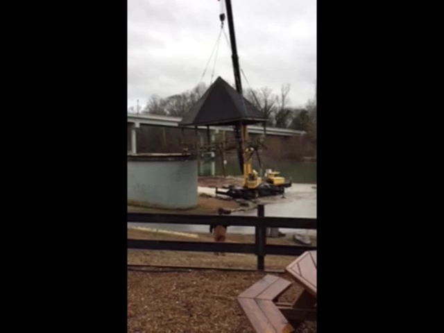 VIDEO - Gazebo removed from Riverfront