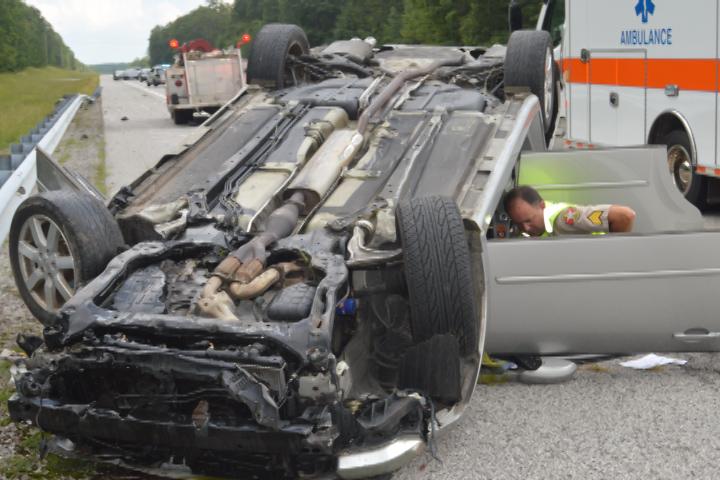 VIDEO - Two injured in Highway 8 crash