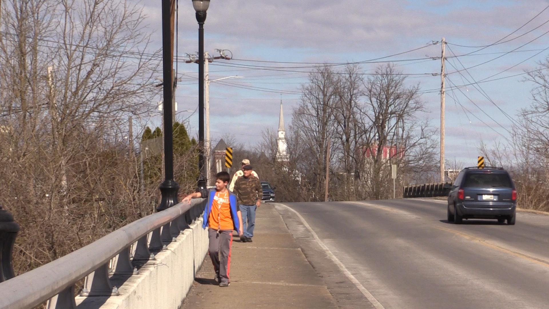 VIDEO - Mayor leads walk for health