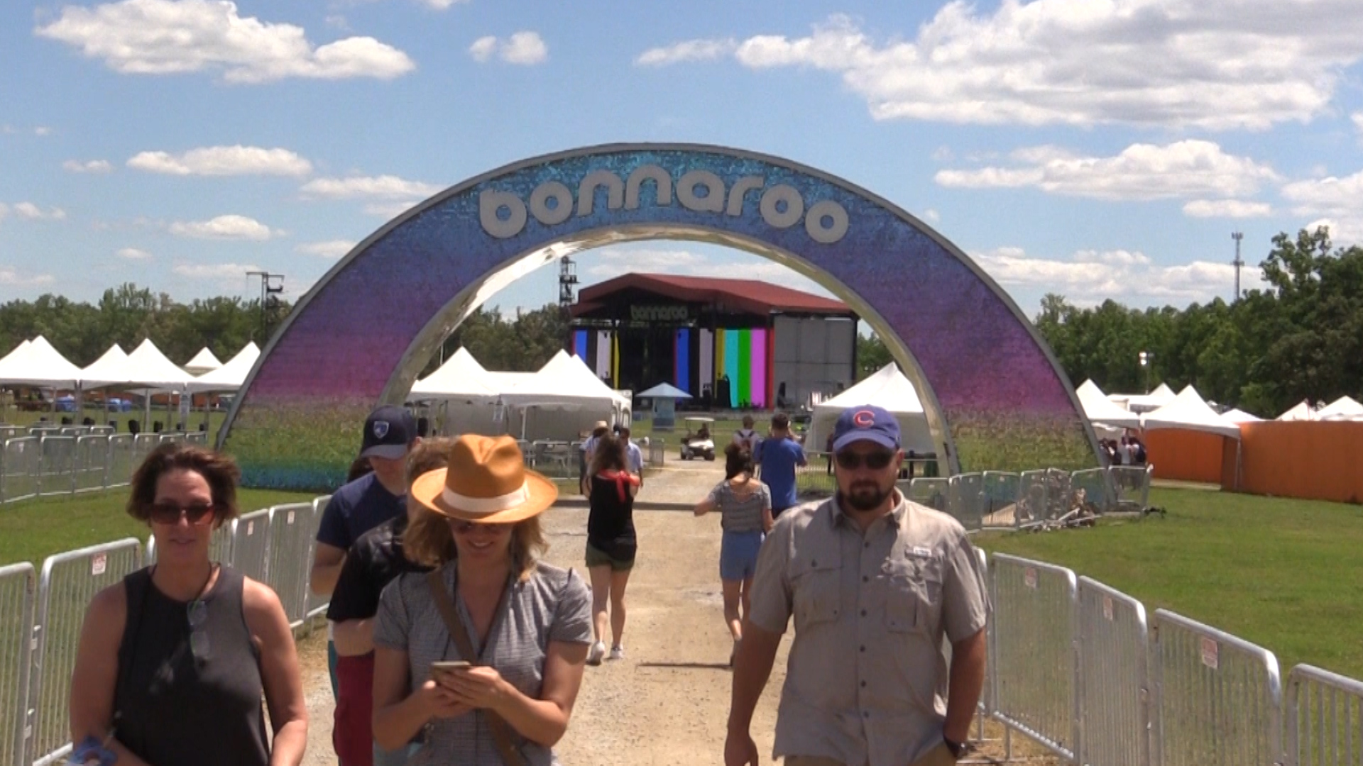 VIDEO - Behind the scenes at Bonnaroo