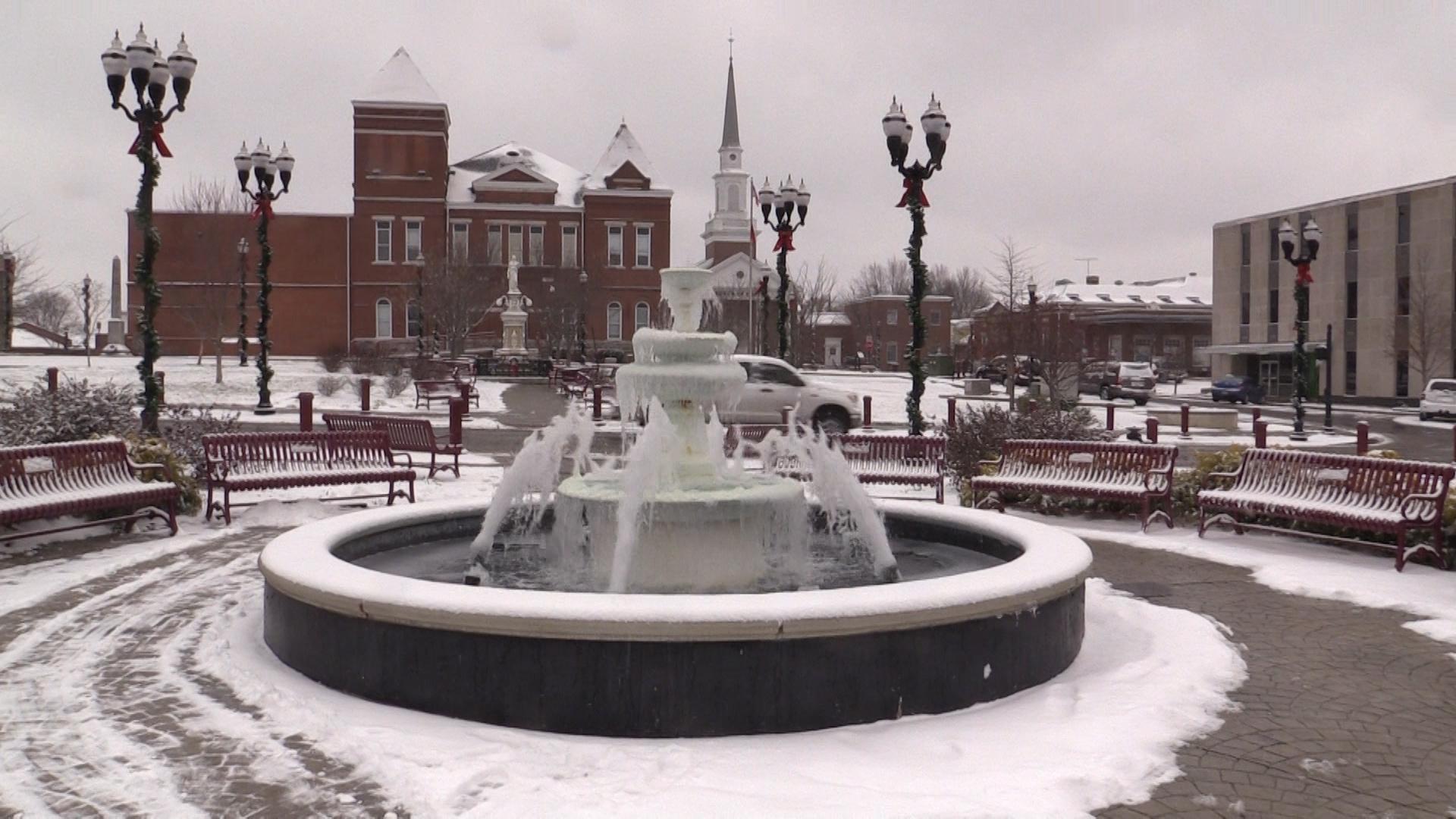 VIDEO - Snow blankets Warren County