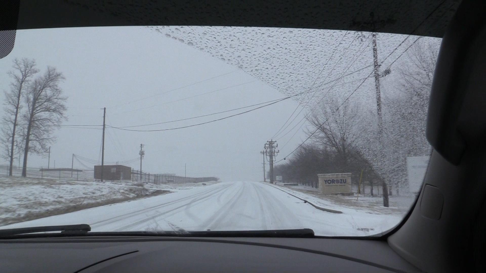 VIDEO - Winter storm hits Warren County