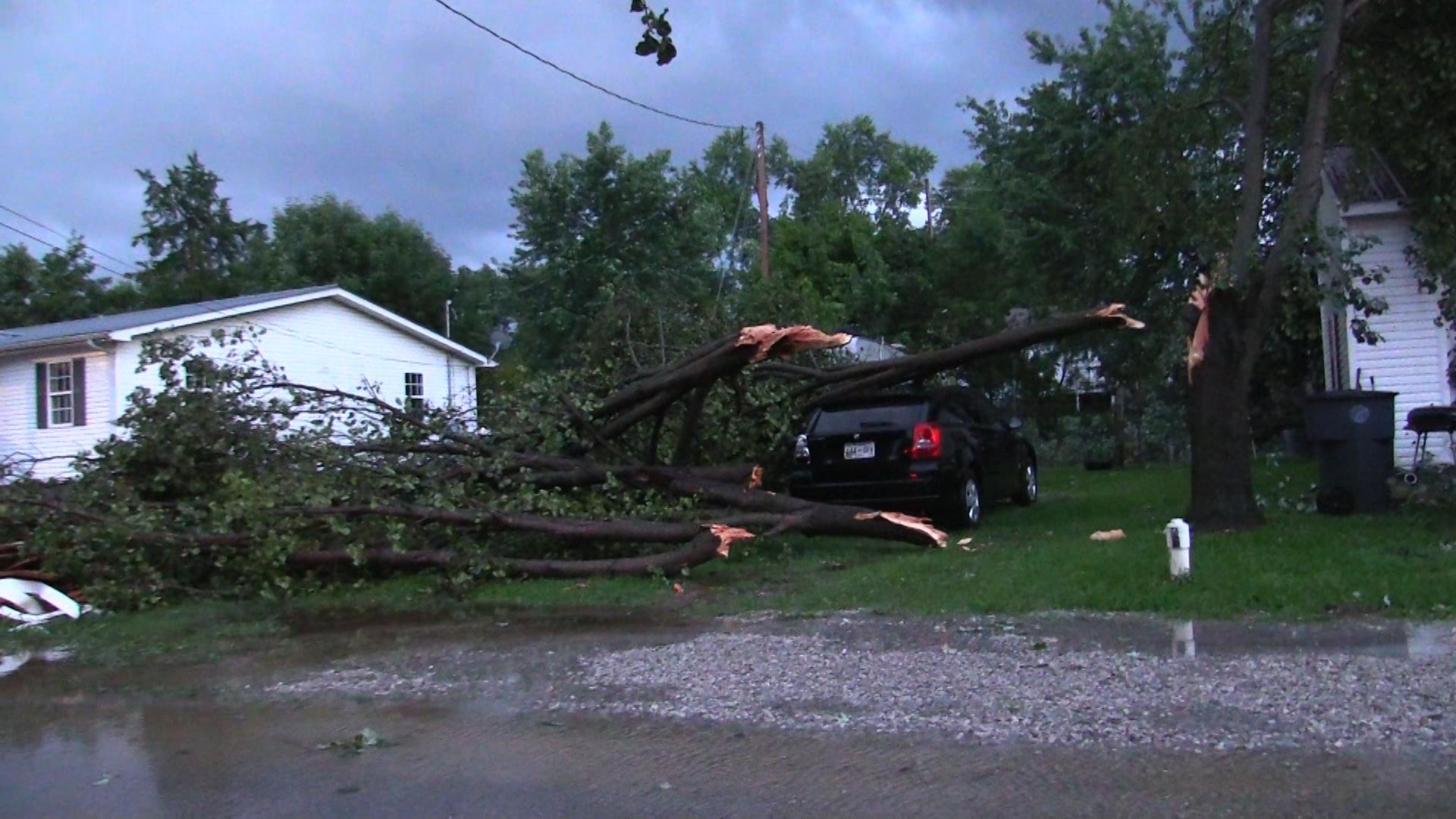 VIDEO: Storm slams Warren County