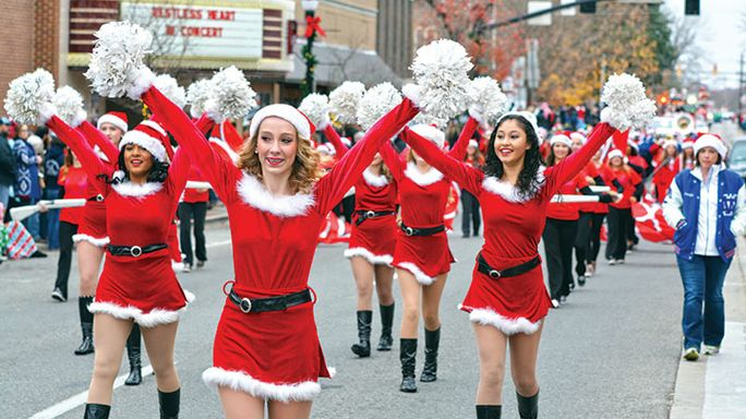 Hooray for holidays: McMinnville Christmas Parade
