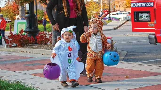 Downtown welcomes trick-or-treaters October 31