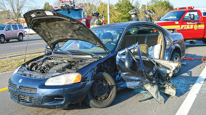 Running the light: Frazier triggers two-car crash