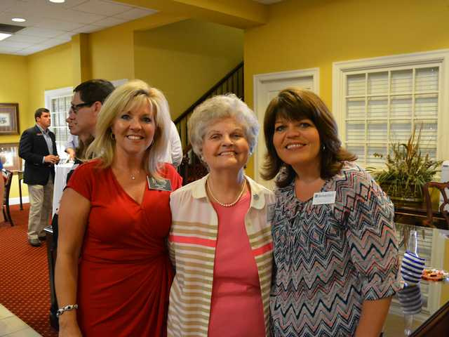 Libba Smith Honored with DAR Award