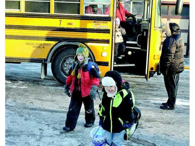 Wauzeka-Steuben school bus driver forced to make emergency landing