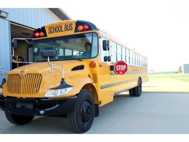 School buses to be equipped with amber lights