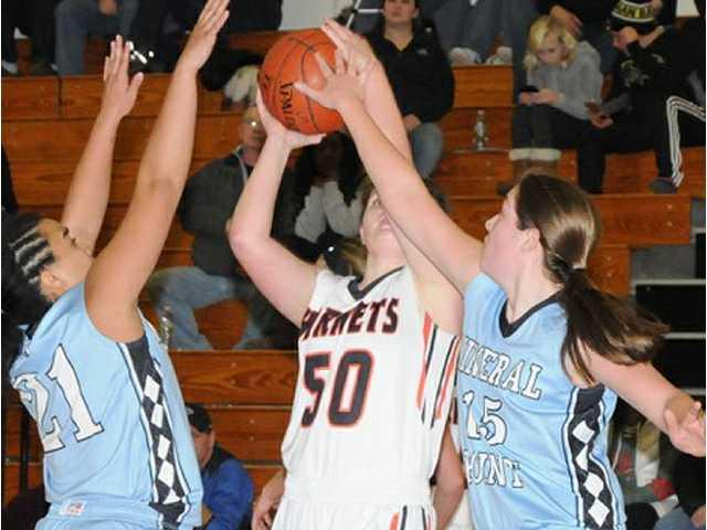 Hornets use second-half run to pull away from Pointers
