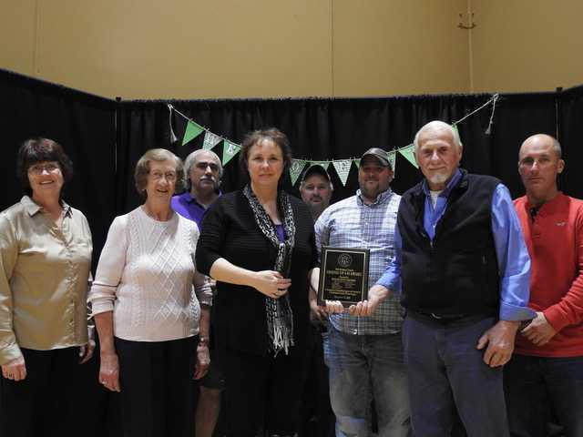 4-H youths, adults receive awards