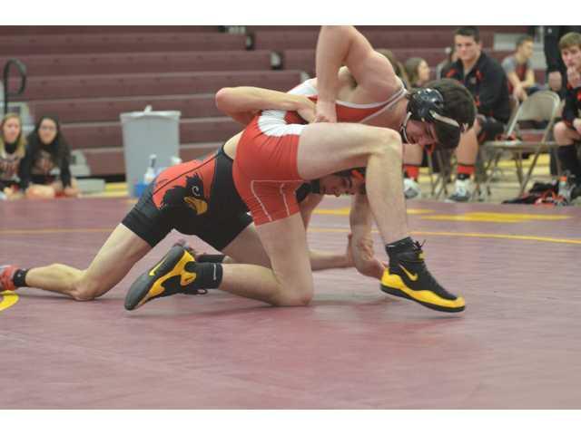 Bulldog wrestlers finish season duals