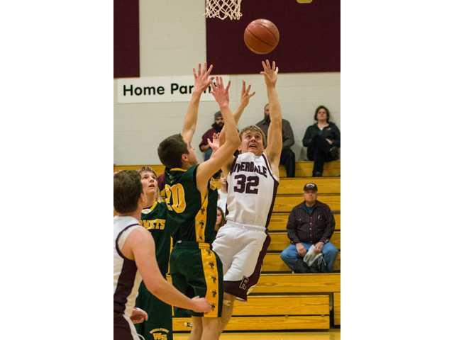Boy's basketball comes up short