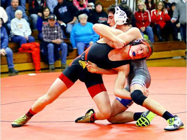 Wiegel crowned 113-pound champion at SWC/SWAL Clash