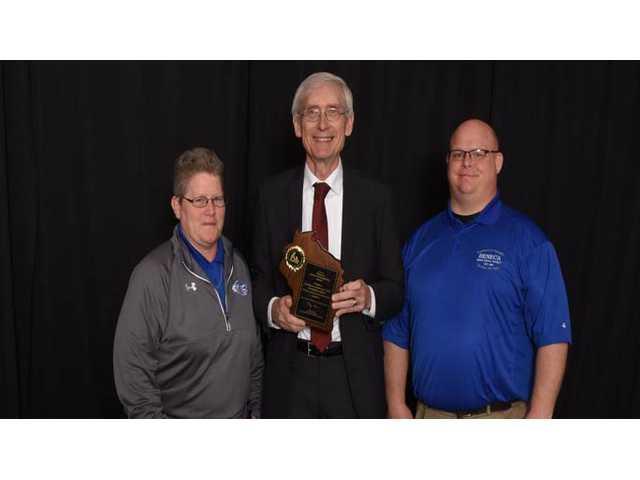 Seneca School District receives award