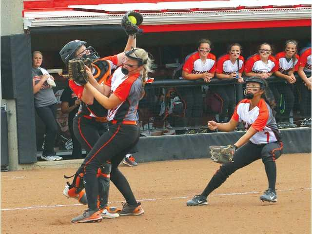 Macks hold off Braves