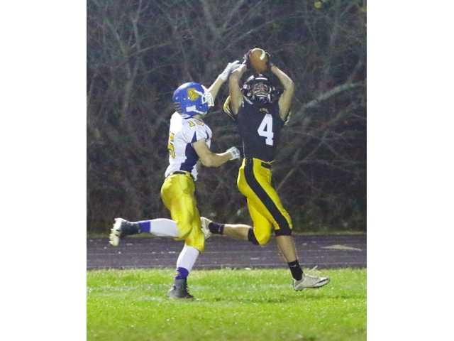 #4 Cubans roll over Bulldogs in Level 1 contest