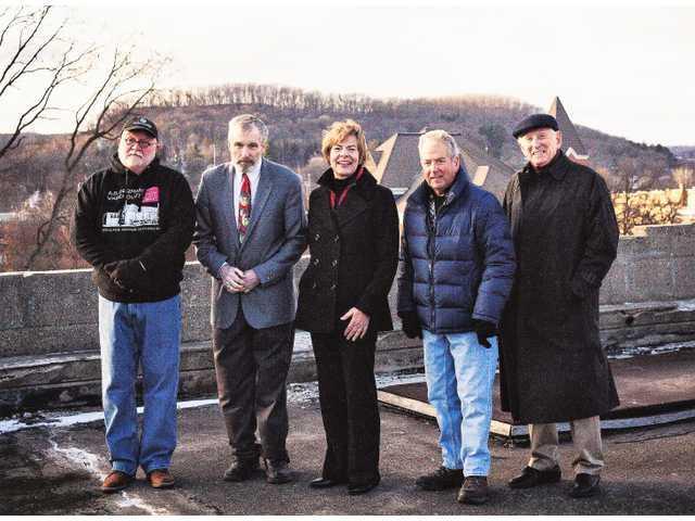 Senator Baldwin visits German Warehouse