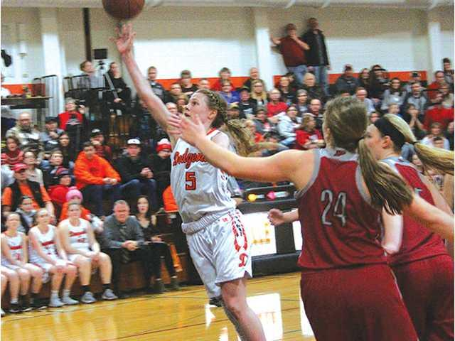 Jones, Dodgers topple top-ranked Platteville