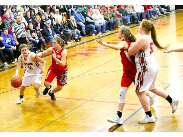 No. 1 Black Hawk's pressure gets to Shullsburg early