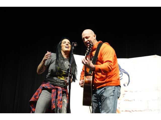 'The Voice' finalist Kat Perkins energizes Richland students