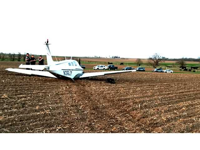 Plane makes emergency landing in Lafayette County