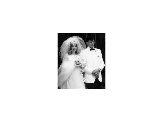 Reynolds' celebrate 50th wedding anniversary