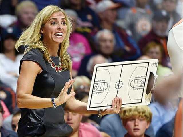 Platteville High School grad Nicki Collen named WNBA Coach of the Year