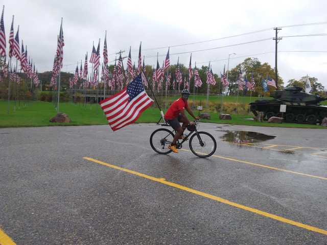Old glory relay passes through Richland Center