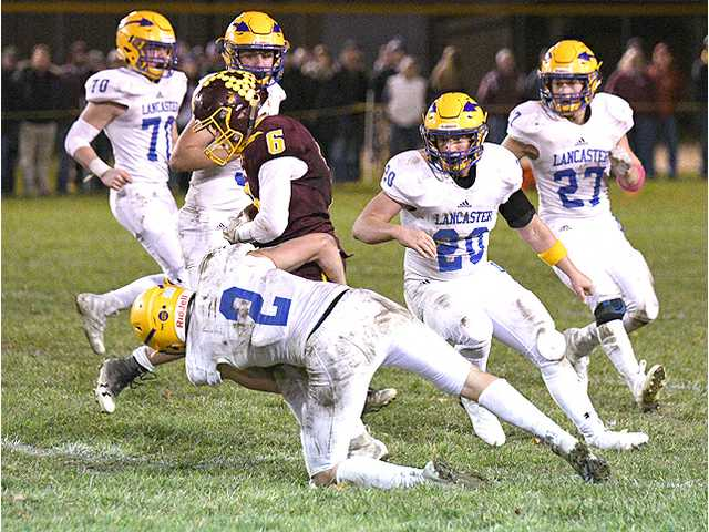 GAME OF THE WEEK (WIAA D6 Level 3 football playoffs): Lancaster 21, Fennimore 14