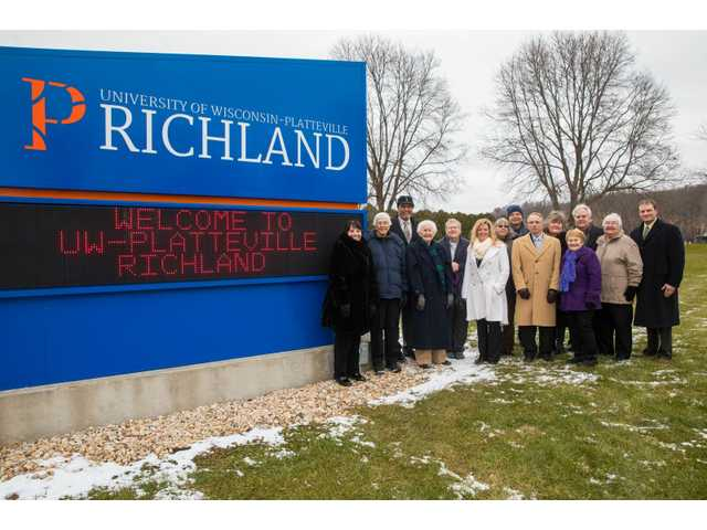 UW Platteville-Richland sign dedicated