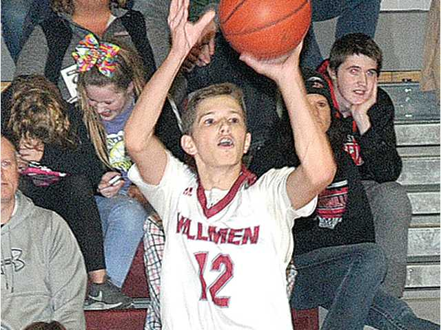 Oswald lights it up in 61–60 win over Edgerton