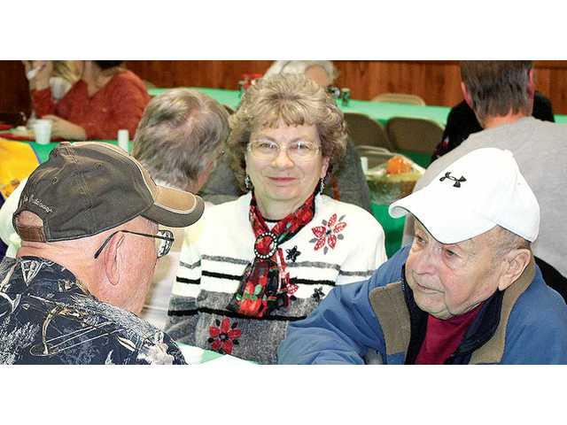 Seneca Community Club gives back