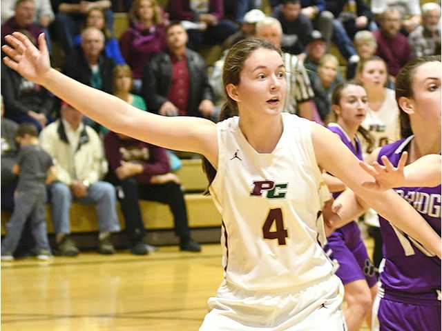 Kartman, Chieftains hold off Fennimore in non-conference tilt