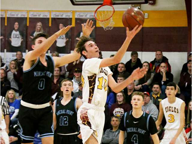 Fennimore boys hold off 10th-ranked Mineral Point without leading scorer