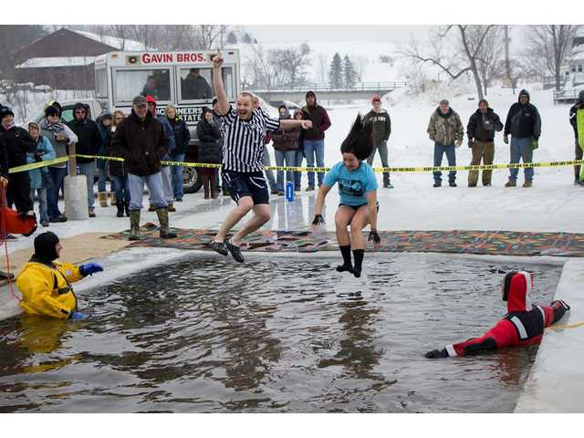 Lee Lake Polar Plunge event goes swimmingly well