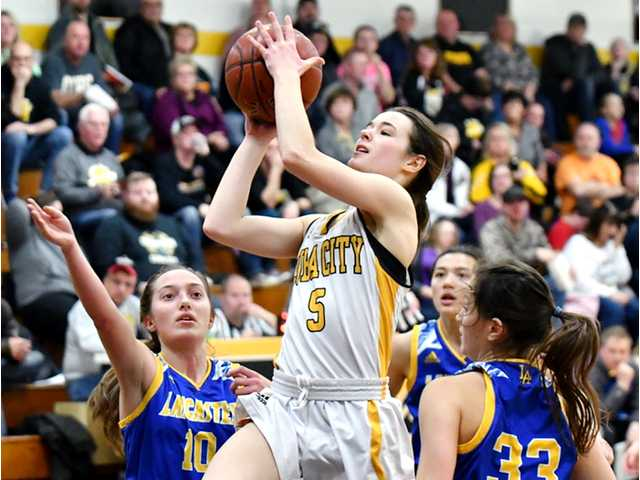 Cuba City's Misky scores 1,000th point in playoff loss to Lancaster