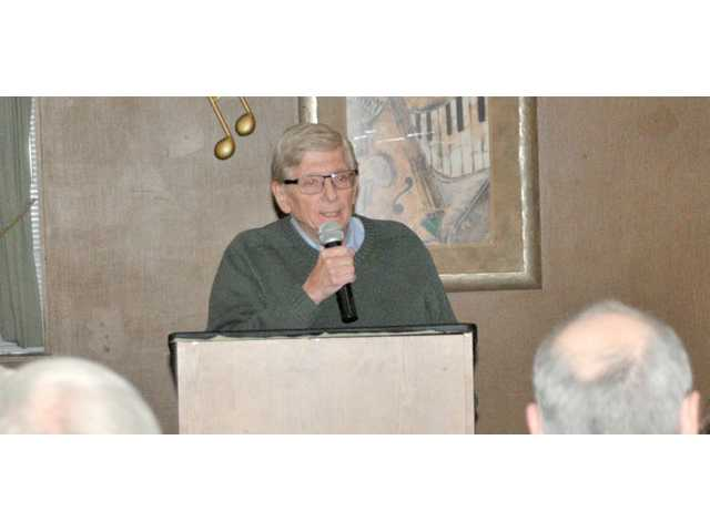 Former DNR Secretary George Meyer speaks in Prairie du Chien