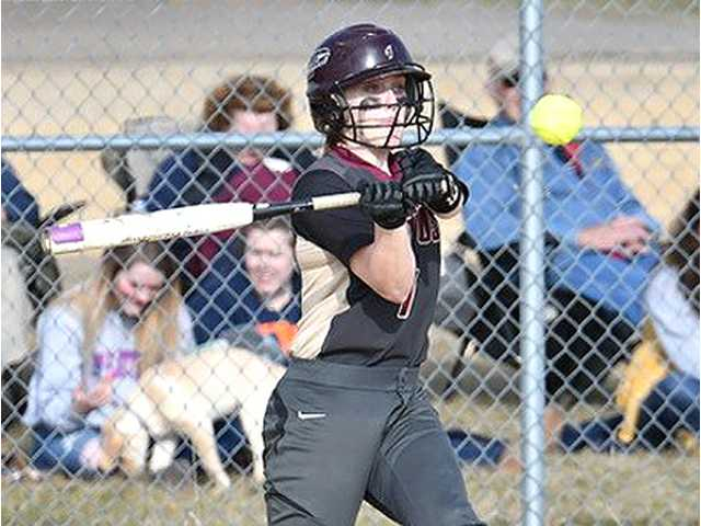 Siegert's hot bat carries Chieftains