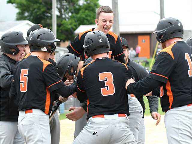 Braves top Iowa–Grant, Highland to win regional title