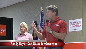 VIDEO - Randy Boyd makes Smithville stop