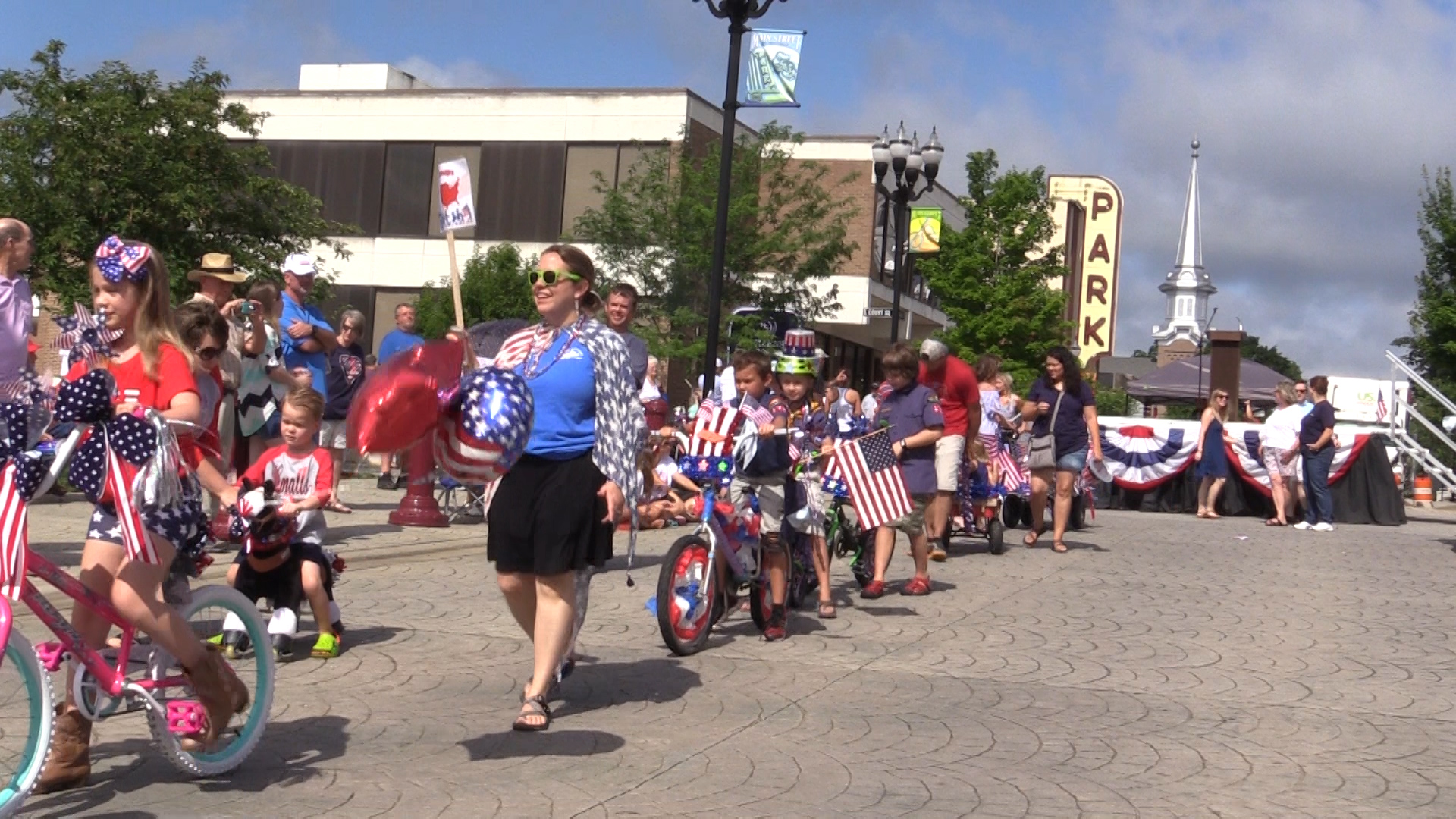 VIDEO - The Yankee Doodle parade
