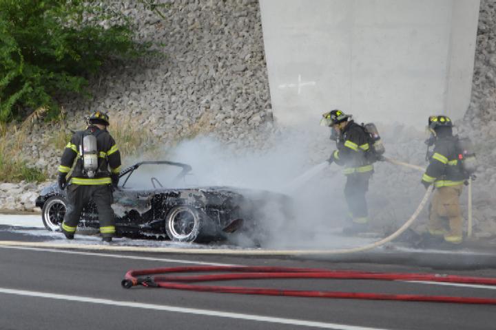 VIDEO - Car erupts in flames under Angel's Bridge